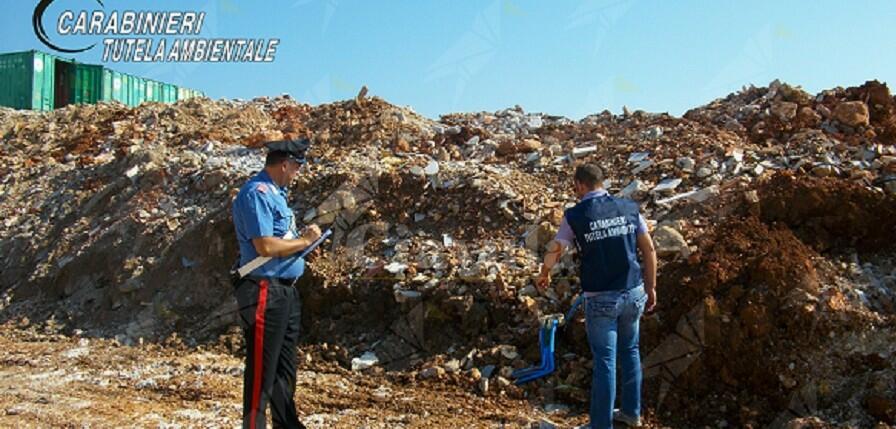 Sequestrati terreni e mezzi per la gestione illecita di rifiuti bituminosi. 13 persone denunciate