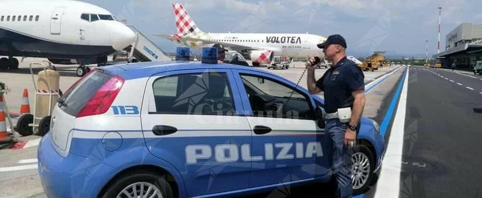 Calabria: Positivo al covid-19 tenta di imbarcarsi su un volo per Milano. Denunciato un medico