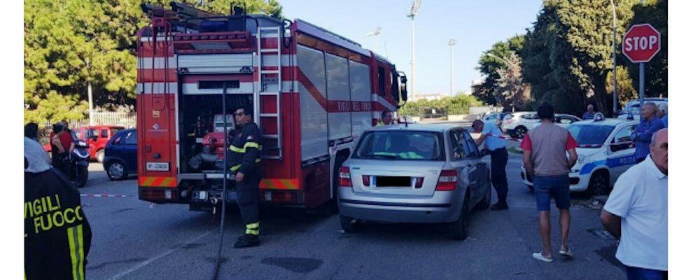 Tremendo scontro tra 3 auto nei pressi di una scuola a Reggio Calabria, diversi feriti