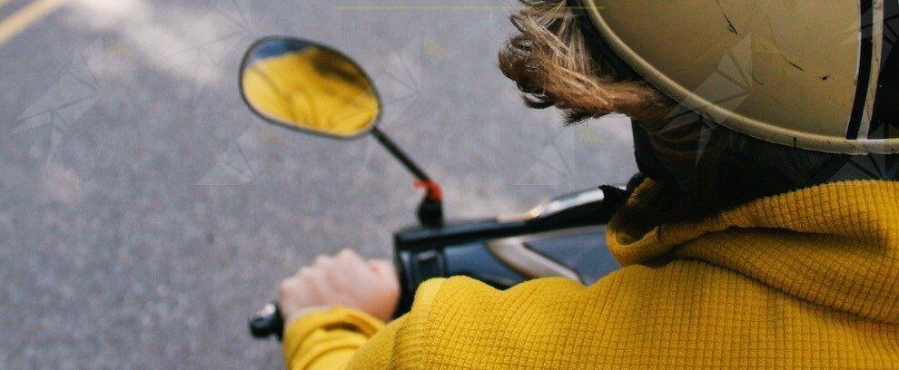 Sorpreso alla guida di un motociclo senza patente viene denunciato