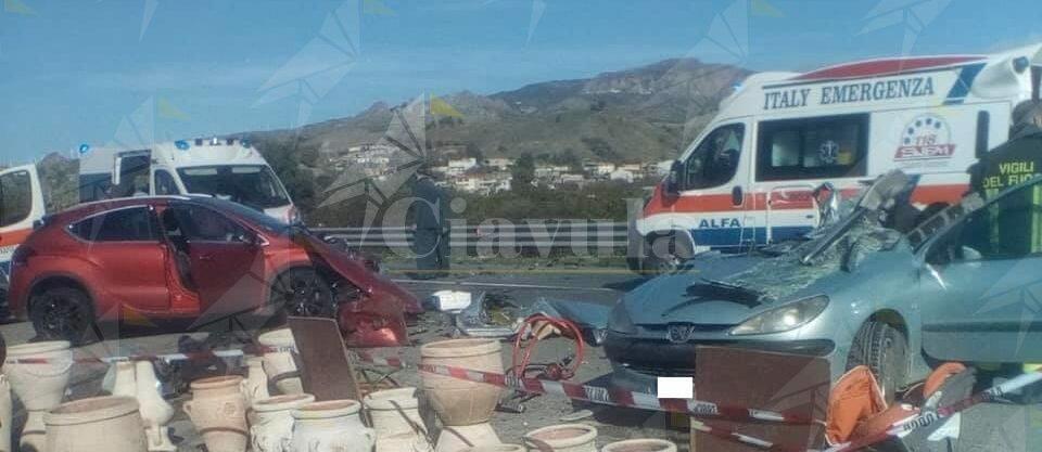 Tragedia sulla S.S. 106: un morto e due feriti gravi a Melito di Porto Salvo