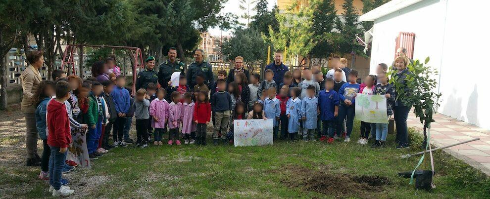 Gli alunni delle scuole di Caulonia insieme per celebrare la Festa dell'Albero