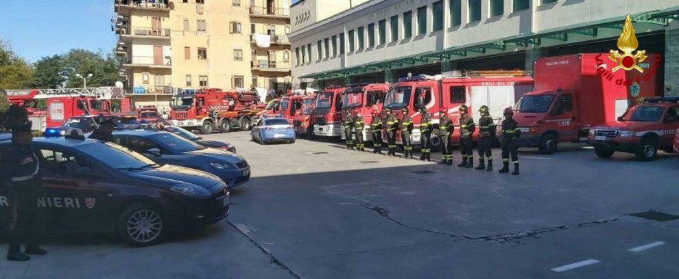 Polizia e Carabinieri vicini ai Vigili del Fuoco nel giorno dei funerali