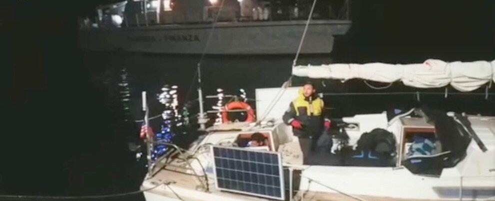 31 migranti sbarcati in Calabria