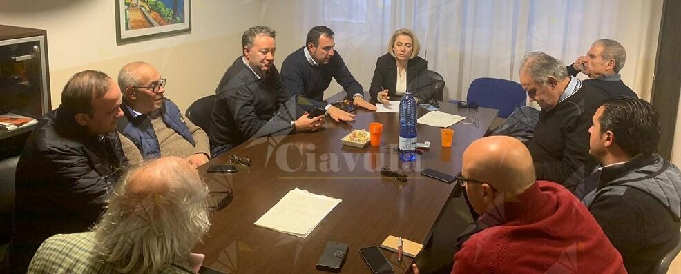 """Belcastro minaccia: """"Da martedì scuole chiuse nella Locride se non si smaltiscono i rifiuti"""""""