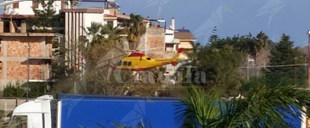 Interviene l'elisoccorso a Vasì di Caulonia, soccorsa una signora colpita da malore