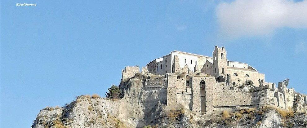 Finanziamenti per due milioni di euro per il Castello di Roccella. Sarà realizzato un innovativo museo multimediale