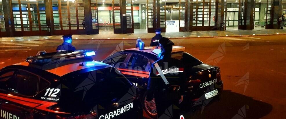 Calabria: colpisce violentemente la moglie in testa con un mattarello e il manico di un'ascia, tragedia sfiorata