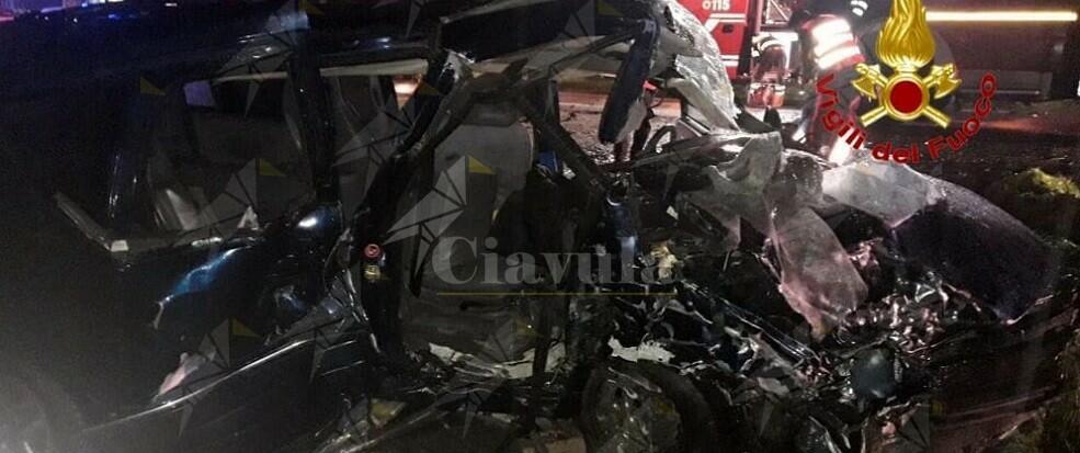 Tragico incidente stradale: muore sul colpo una 16enne, gravi altre due ragazze