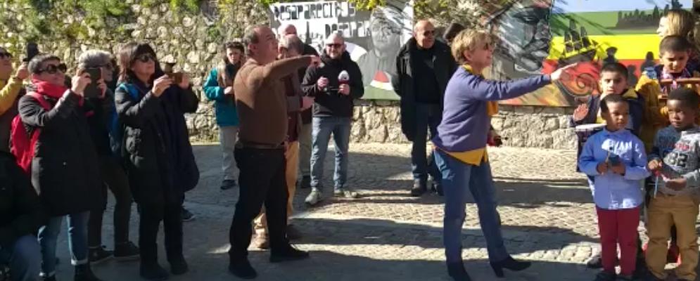 """I bambini di Riace cantano """"Bella ciao"""" – video"""