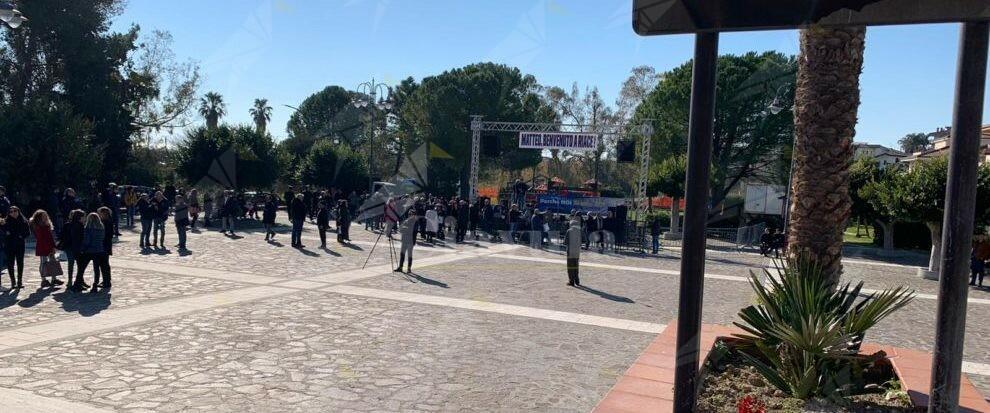 Riace: Ciavula sbugiarda la Bestia di Salvini e subisce subito dopo un attacco hacker