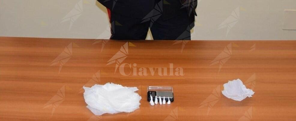Calabria: sorpresi con eroina e cocaina, tre persone in arresto
