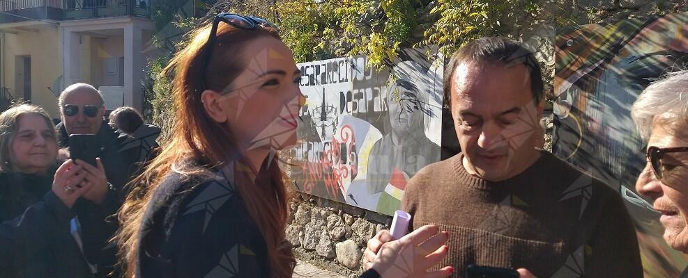 Secondo il vicesindaco di Riace, Francesco Salerno, Lucano si sarebbe arricchito coi migranti. Si tratta delle ennesime accuse diffamatorie senza prove