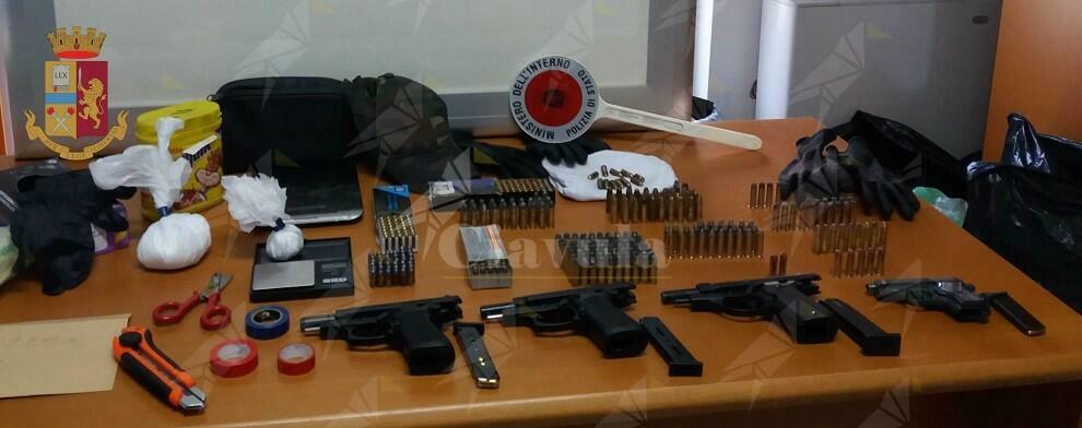 Arrestato per detenzione abusiva di armi, riciclaggio e ricettazione