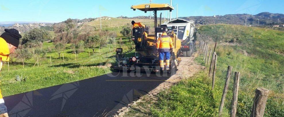 Gioiosa Ionica, al via i lavori di rifacimento della strada Puccio – Petrara