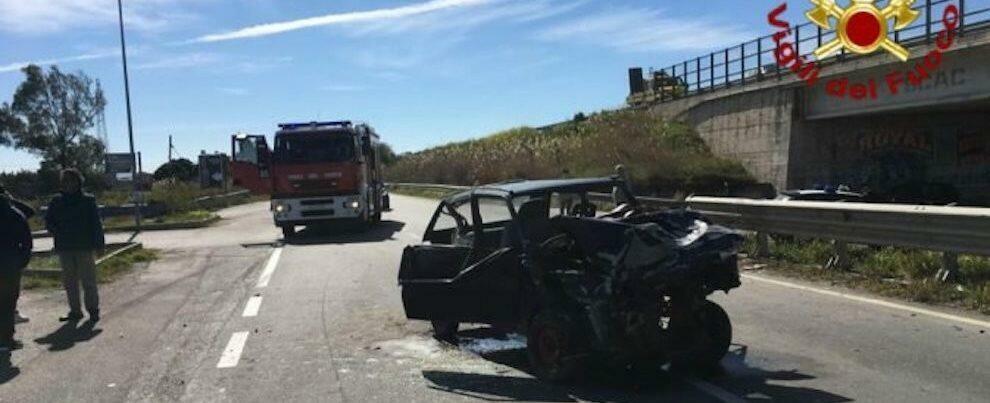 Terribile incidente sulla S.S. 106, morto uno dei tre feriti