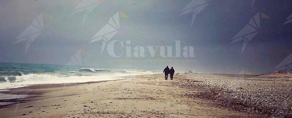 Cambiando Prospettiva: passeggiando in riva al mare di Caulonia