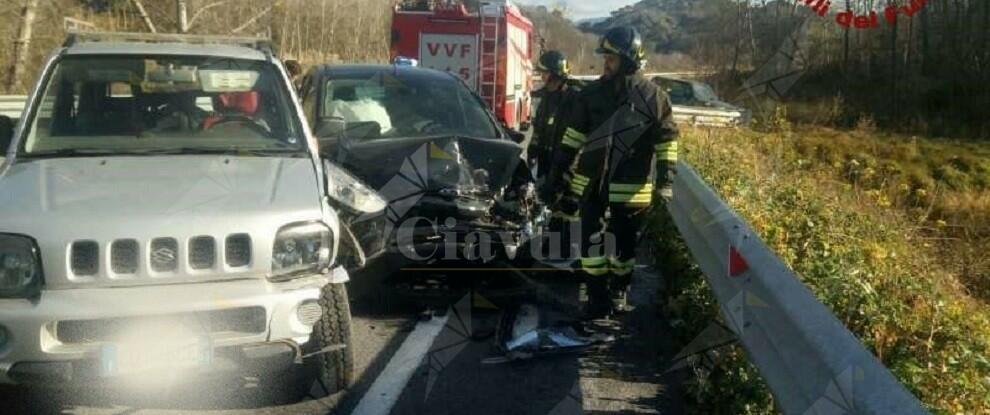 Calabria: ennesimo incidente, sul posto anche i vigili del fuoco