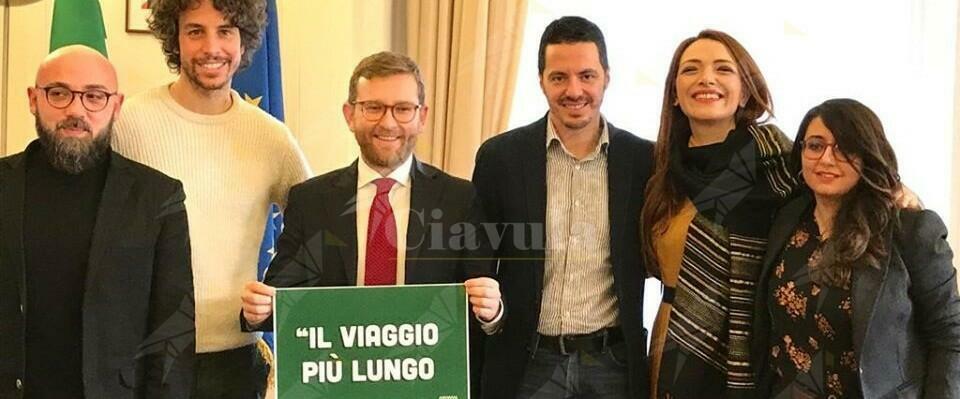 """Sardine dal Ministro per il Sud. """"Oggi inauguriamo una nuova stagione di politica sardina"""""""