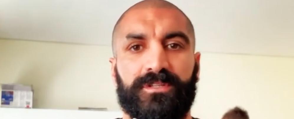 Il calciatore calabrese Ciccio Cosenza lancia un'iniziativa di beneficenza