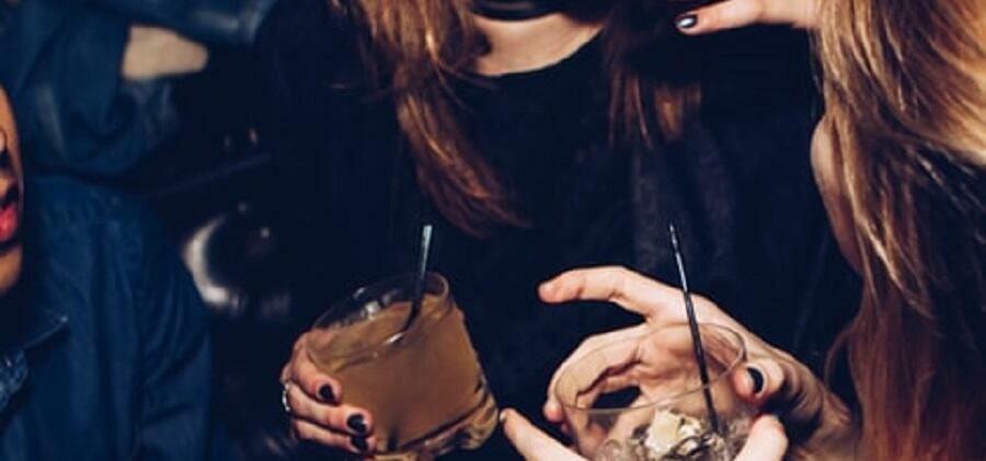 Organizzano una festa tra amici, 5 persone denunciate