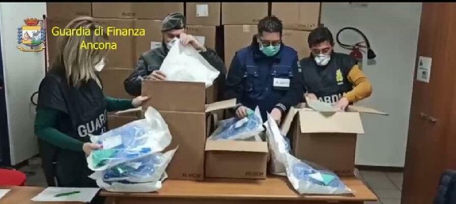 Maxi sequestro di componenti di respiratori per terapia intensiva. Erano diretti all'estero