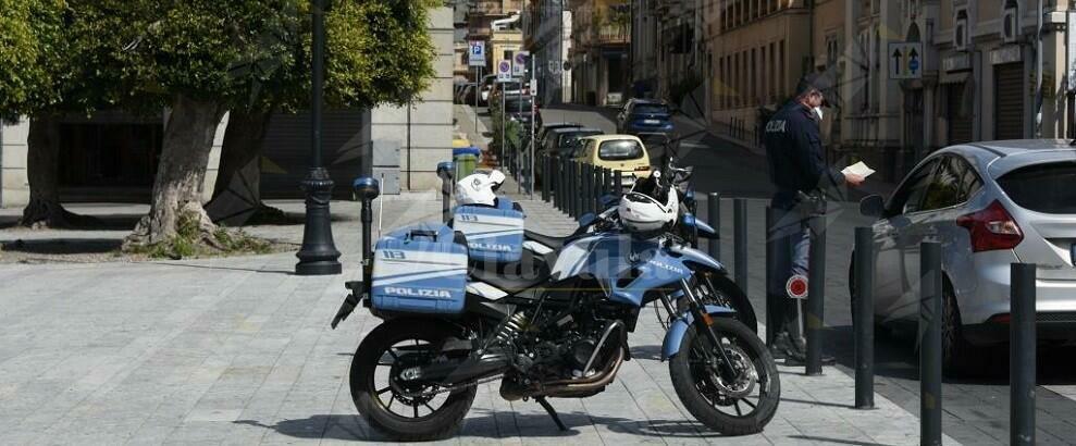 Coronavirus: non si ferma ai controlli di polizia a Reggio Calabria e viene arrestato