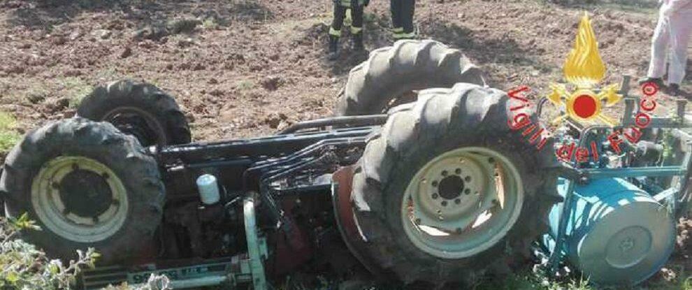 Tragedia in Calabria, muore schiacciato dal trattore