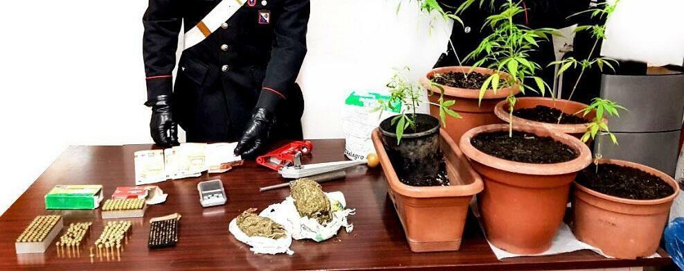 Detenzione illegale di armi, munizioni e sostanze stupefacenti. 2 persone in manette