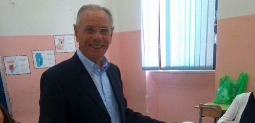 """Il sindaco di Gioia Tauro: """"Ancora una volta paghiamo la presenza di organizzazioni criminali"""""""