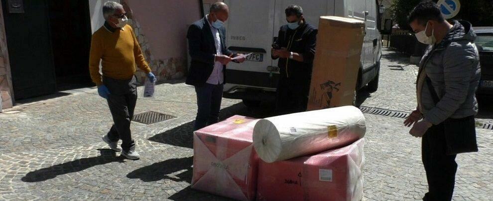 Solidarietà al tempo del coronavirus: uova di cioccolato e tessuto per mascherine dall'Umbria a Camini