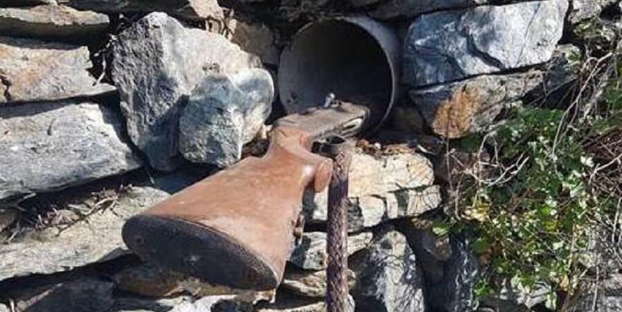 Calabria: ritrovato fucile nascosto dentro un muro