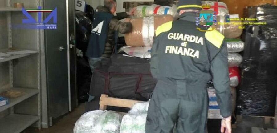 Sequestrati circa 900 kg di droga per un valore di 10 milioni di euro