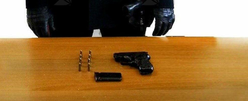 Nascondeva pistola in un muretto, arrestato un sessantenne a Careri