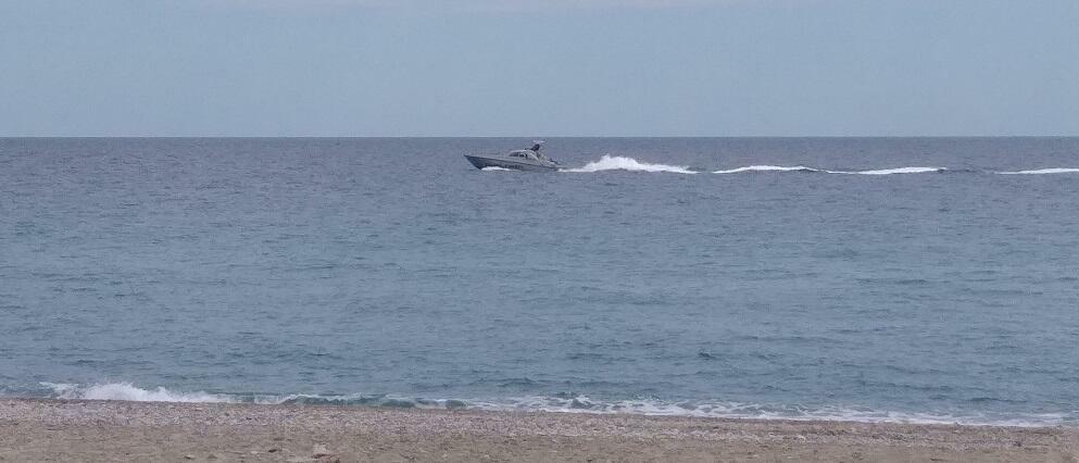 Esplode imbarcazione a Crotone: 6 migranti dispersi e due finanzieri feriti