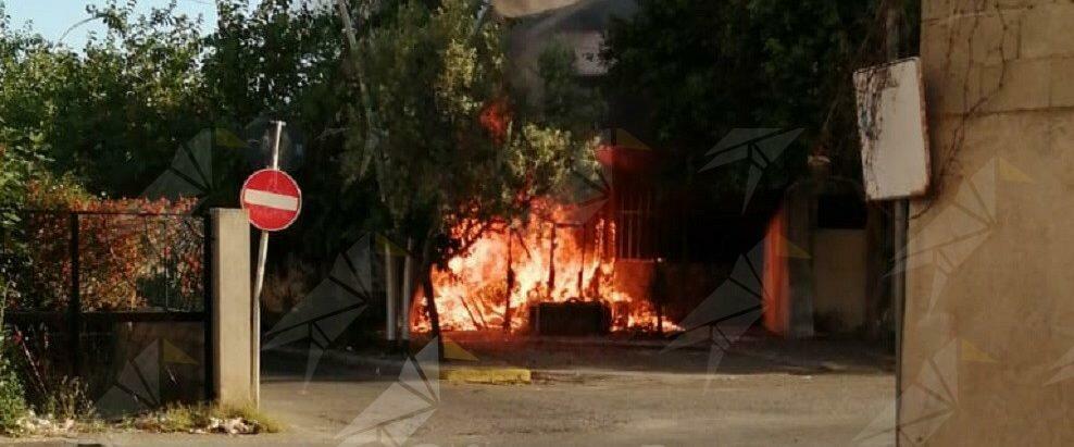 Incendio all'ex mercato coperto di Marina di Gioiosa Ionica