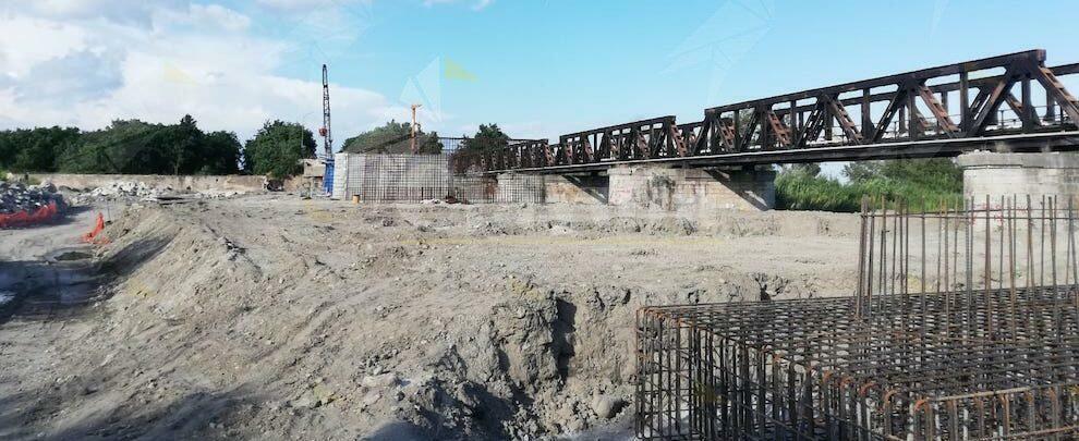 Lavori in corso per il ponte Allaro – fotogallery
