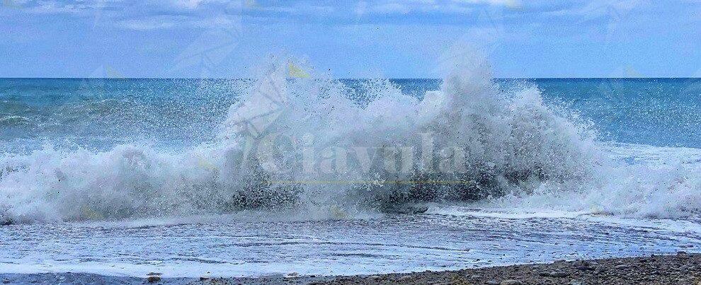 Foto da Caulonia: il fascino delle onde