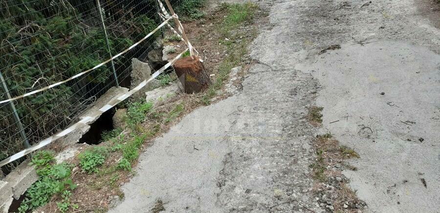 """Segnalazione da Ursini di Caulonia: """"Strada pericolosa"""""""