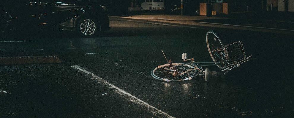 Scontro tra auto e bici, ferita una 15enne
