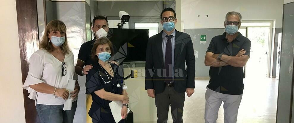 """Campagna """"SOSTENIAMOCI"""": donati all'ospedale di Polistena termo-scanner e barella bio-contenitiva"""