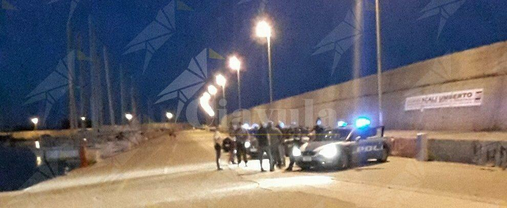 Sbarco a Roccella, tampone negativo per i 25 agenti di Polizia