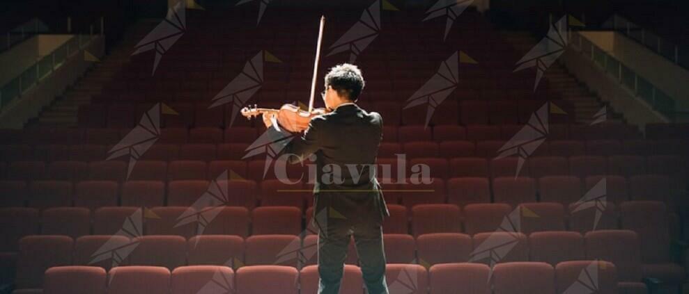 Il violinista Giovambattista, una vita per la musica, è morto suonando