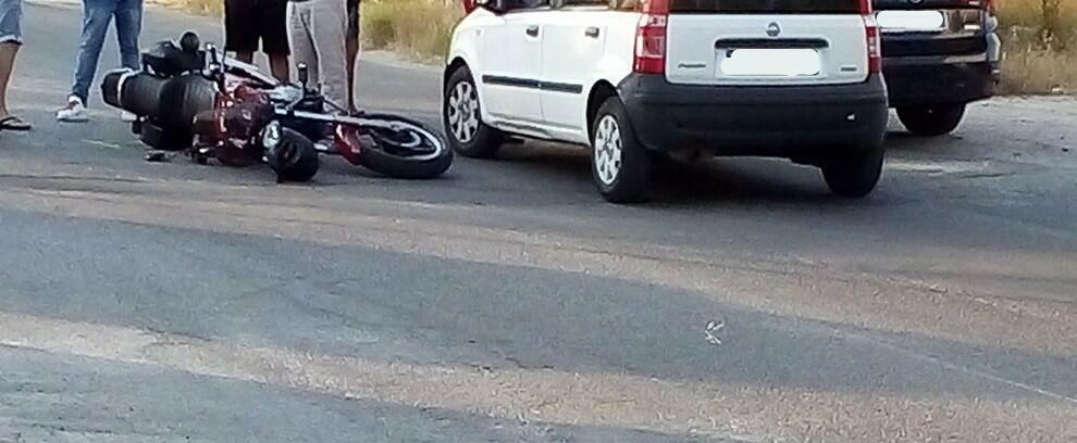 Scontro tra auto e moto a Marina di Gioiosa Ionica
