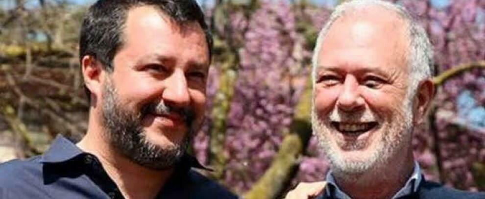 """""""Gli immigrati rubano agli italiani"""", disse il leghista che guadagna 270mila euro all'anno e si prende il bonus da 600 euro"""