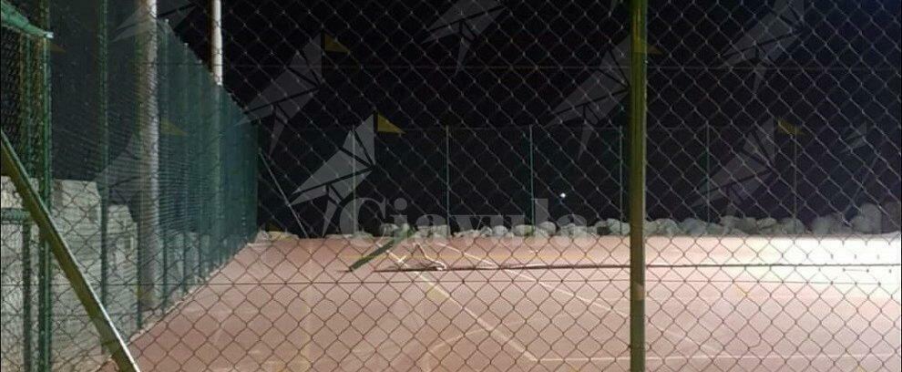 Atto vandalico sul lungomare di Caulonia