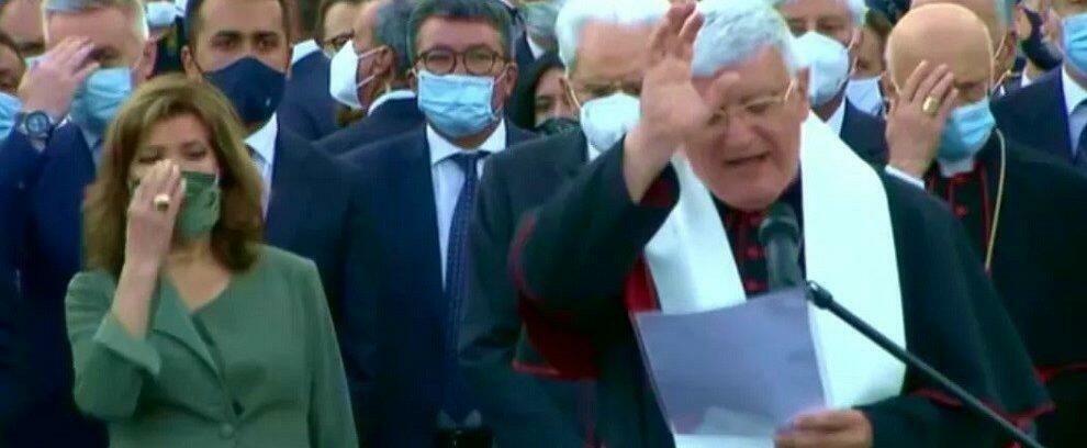 Il ponte di Genova inaugurato da un prete con un rito magico. Vergogna italica!