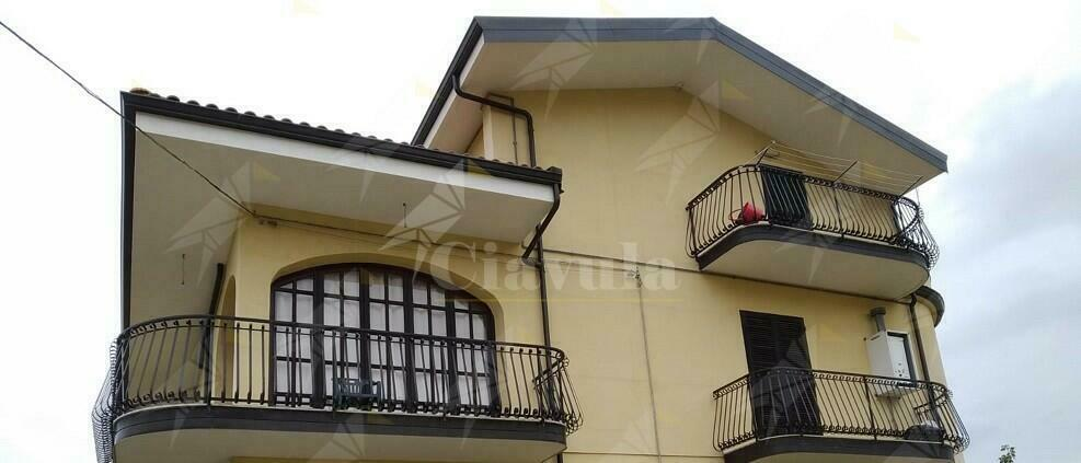 Affittasi mini appartamento in villa a Caulonia marina, zona Ente Sila