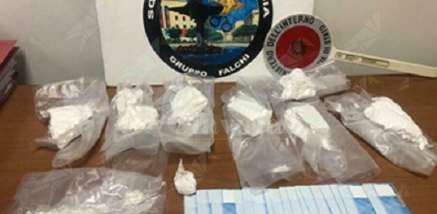 Trovato in possesso di 856 grammi di cocaina, arrestato