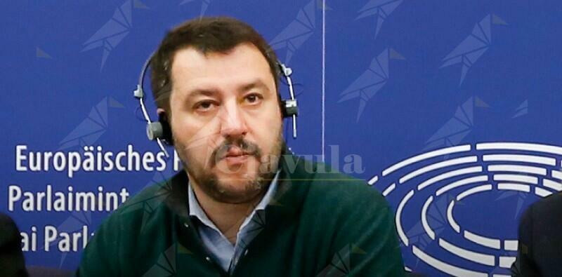 Dice di volere cambiare l'Europa ma è stato per 12 anni europarlamentare assenteista (pur prendendo lo stipendio)